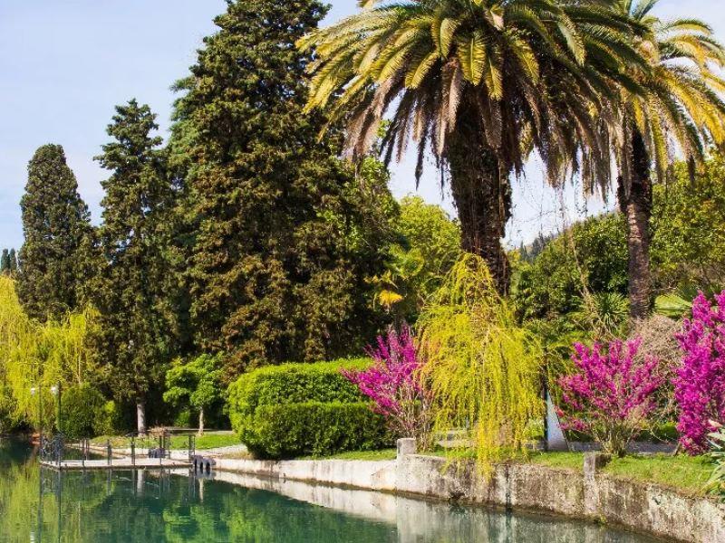 В чем прелесть и сложности отдыха в Абхазии?