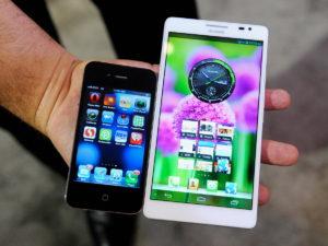 Смартфоны увеличиваются в размерах