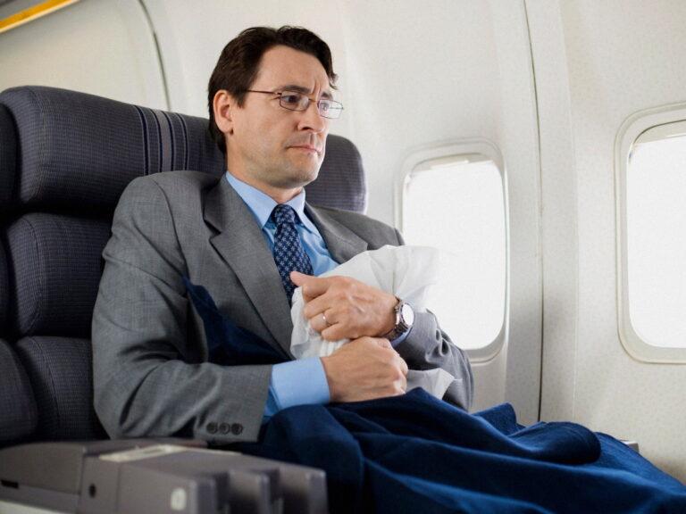 Летать на самолете