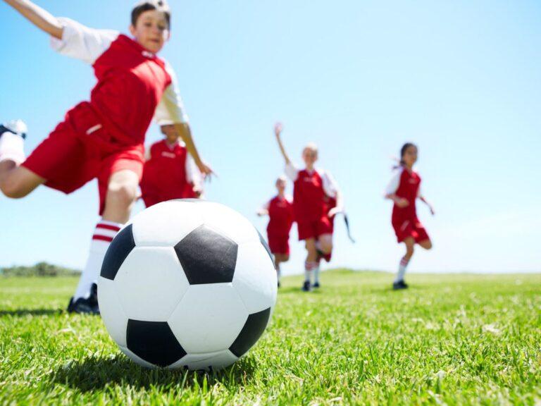 В каком возрасте отдать ребенка на футбол?